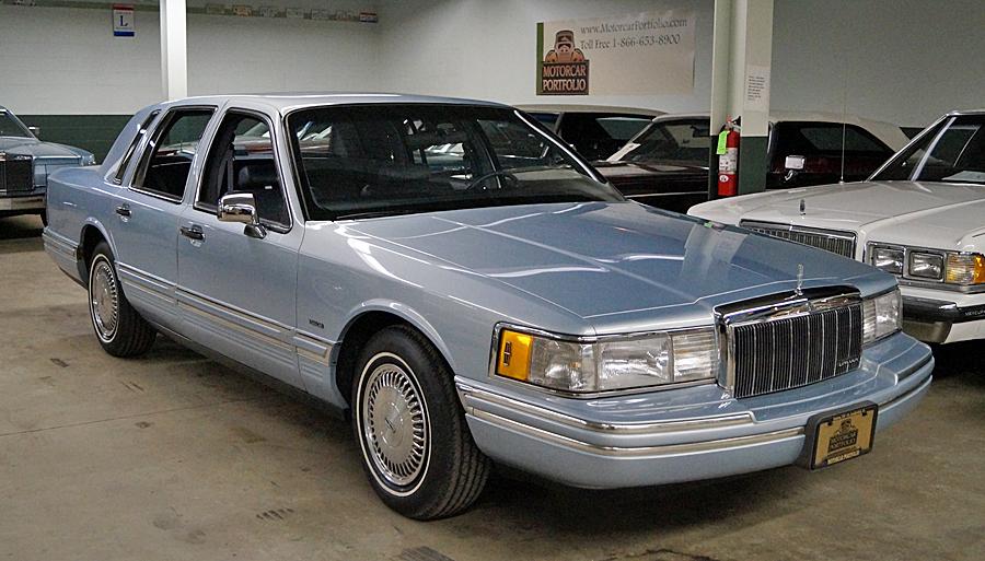 Lincoln Town Car Executive